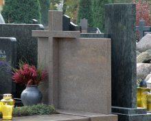 Welke soorten natuursteen zijn geschikt voor grafmonumenten